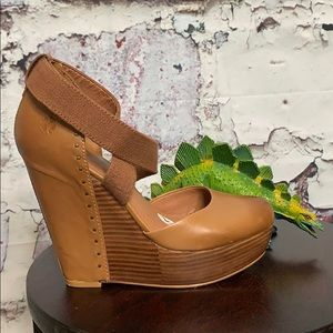 Lucky Brand brown leather wedges size 7